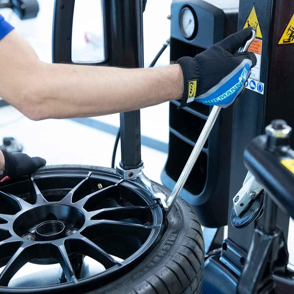 Hofmann Monty däckmonteringsmaskin från SUN Maskin & Service AB